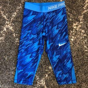 LIKE NEW NIKE PRO dry fit unisex leggings